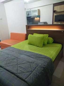Sewa apartemen harian green pramuka city murah