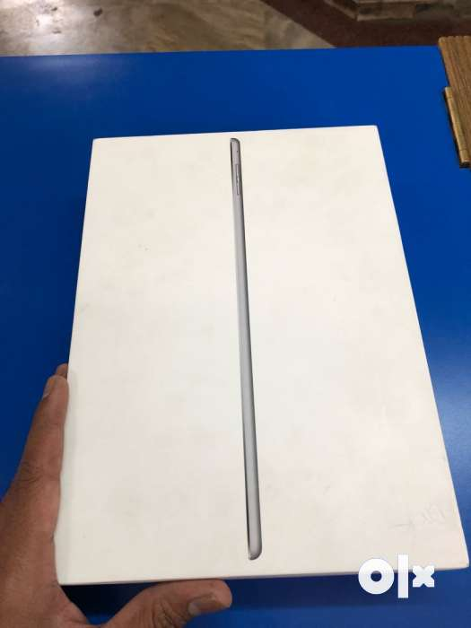 Apple iPad Air 2 128gb Wifi cellular likenew condition with 0