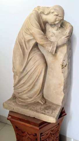 Patung antik kuno jadul Dari Marmer besar dan berat