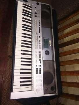 PSR i455 Yamaha keyboard