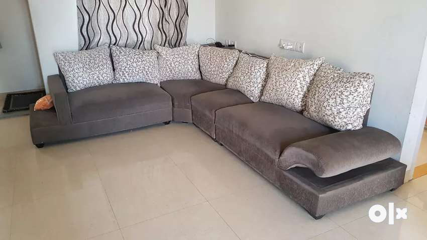 6 seater sofa in good condition 0