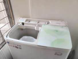 Lloyd washing machine