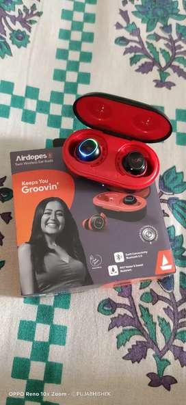BOAT Airdopes 443, Twin Wireless Ear - buds