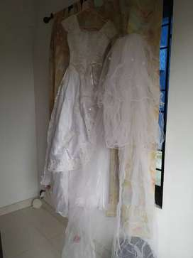Wedding gown / white gown second hand