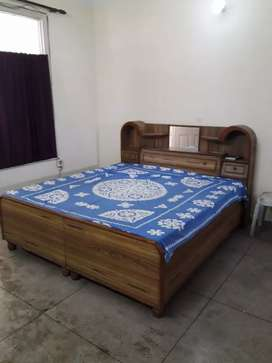 Ownerfree furnished 2rk 37,38,40,41,49,63 boys, girls only