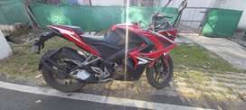 Bajaj pulsar RS 200 FOR SALE