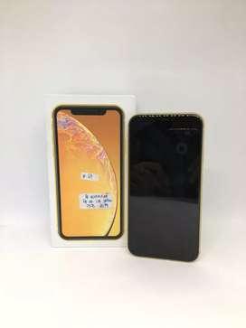 iPhone XR 128Gb Yellow - DC COM plaza Medan Fair
