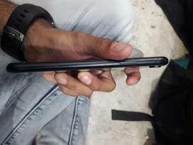 Iphone xr 128gb 27 28k valey msg na karey