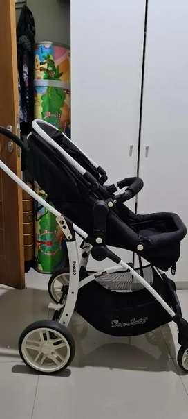 Stroller bayi merk pendio warna hitam