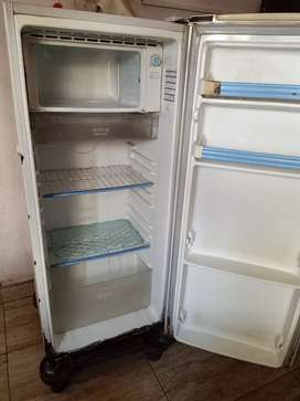 Second hand fridge for sale in lease price