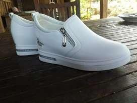 Sepatu like new