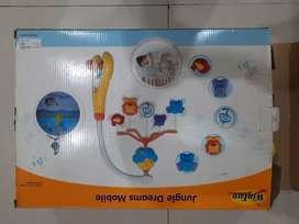 Mainan gantungan ranjang bayi
