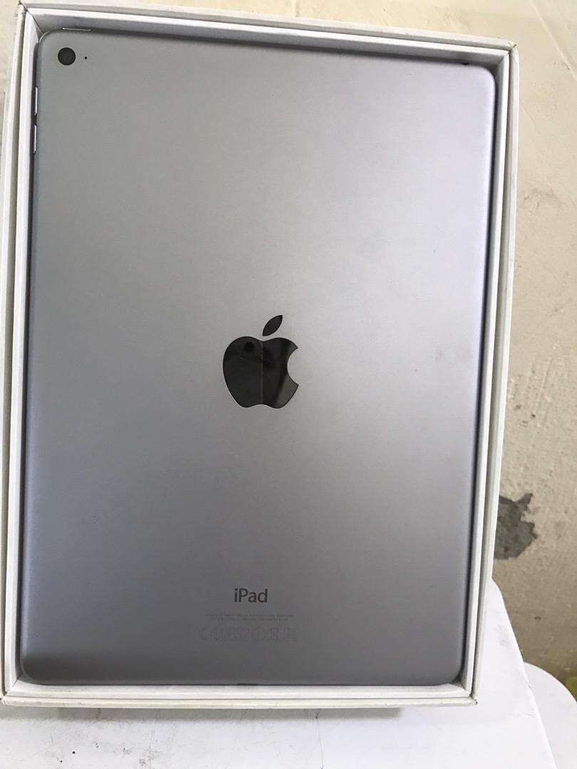 Ipad air 2 128 gb A1566 0