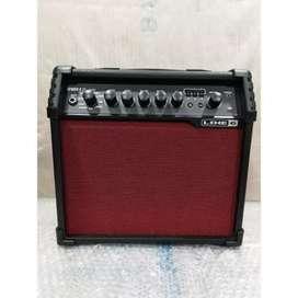 Line 6 V20 Multieffect guitar Amp.