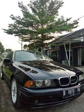 BMW 520I E39 M54 B20 black On Grey 2002