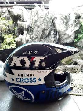 Jual Helm Motor Merk KYT