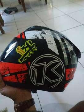 Jual helm KYT r10 masih baru beli edisi salah pilih ukuran