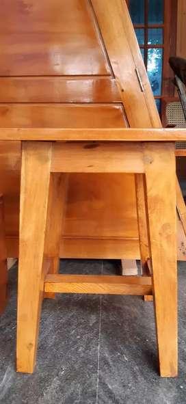 Woden stool