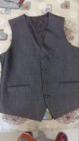 New Raymond 3 piece suit