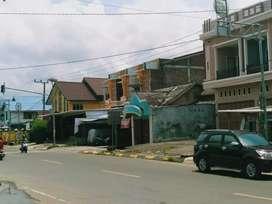 Rmh Jl Sudirman Mamuju 12X32 Kmr 3 WC 2 Tgh Kota dkt KFC