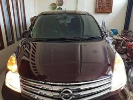 Nissan Grand Livina tipe ultimate 2013 bonus salon mobil