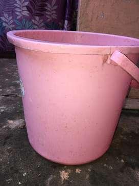 6 pieces bucket