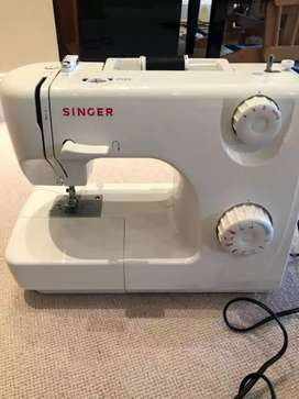 Singer 8280 Sewing machine brand new only packing opened