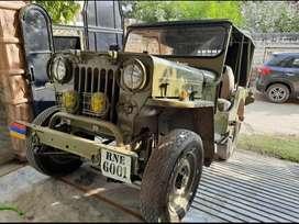 Vintage original chesee army jeep with vintage vip number