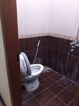 E11 2bed room flat for rent