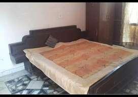 1 Room set , Independent , Furnished ,Sec40 Noida