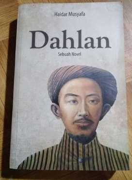Dahlan (Novel tentang KH. Ahmad Dahlan )