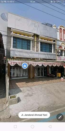 Toko 3 Lantai 2 pintu pusat kota baturaja