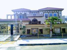 2 Kanal B/N Spanish House 4 sale in NFC Society