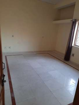 2bhk ground floor available office use/godown chaman vihar ph2