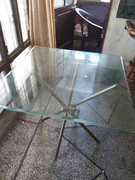 Daining table without chairs