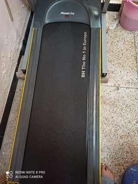 Treadmill in almost new condition