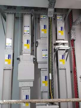DUBAI - Technicians/Electricians