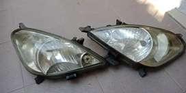 Dijual. 2pc lampu depan (headlamp) toyota kijang innova gen 1