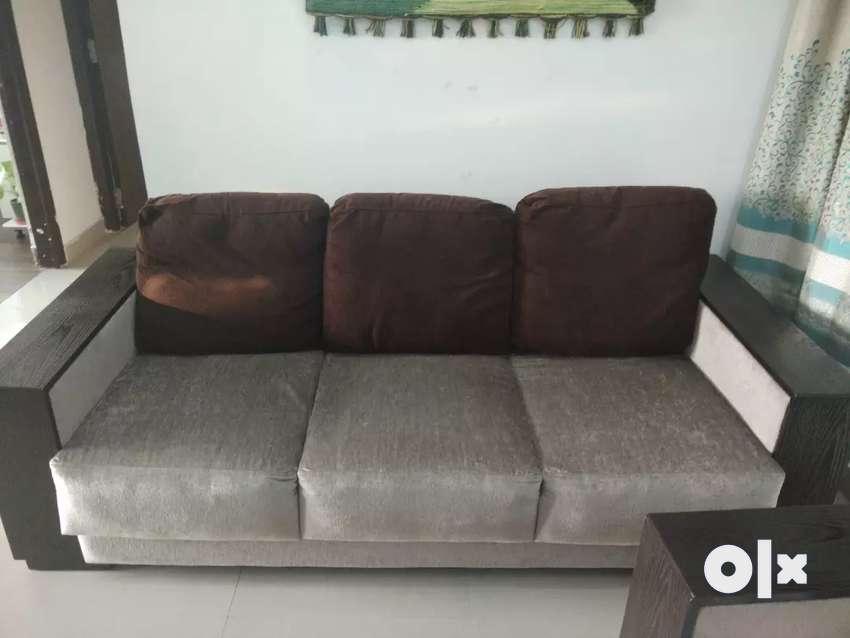 5 seater sofa in perfect condition. Fixed price, no bargain. 0