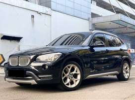 BMW X1 2.0 SDRIVE 1.8I XLINE 2013 BLACK ON RED