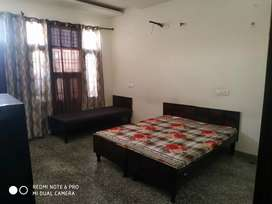 Pg for girls ( near by tp phase8 b)