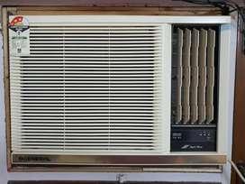 O General AXGT18FHTC 1.5 Ton 3 Star Window AC -1 season gently used