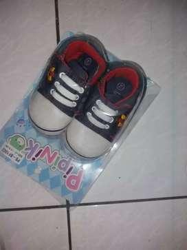 Sepatu bayi pipiniko size 2