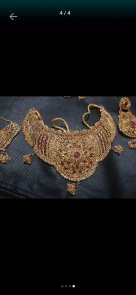 Bridal set full fresh only 4 hour used. all accessories cluch+bae+Mala