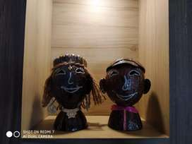 Handicraft coconut shell African King and Queen