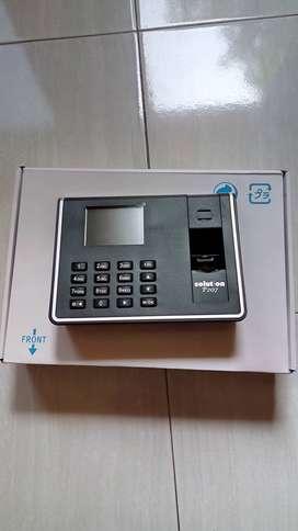 Absensi sidik jari  atau fingerprint kehadiran pegawai