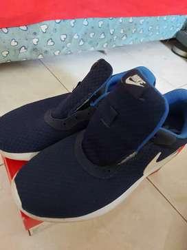 Nike Tanjun Navy