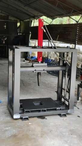 Machine for wood splitting