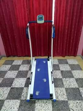 Treadmil available manual 0307(2605395) PL call me at this number