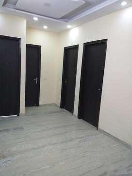 3 BHK BUILDER FLOOR IN ROHINI 90 MTR